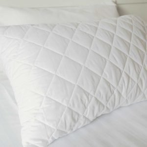 Protector pillow quilted